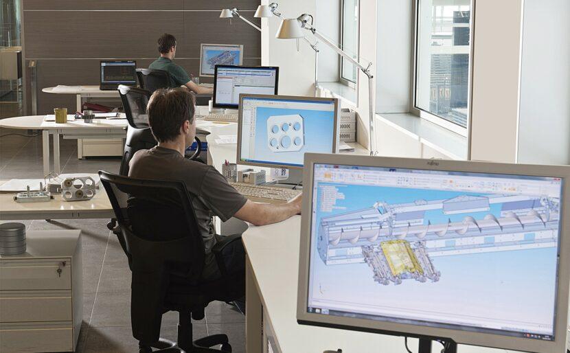 Mithilfe von moderner CAD Technik werden Bauteile für Olimac Maispflücker und Sonnenblumenpflücker konstruiert.